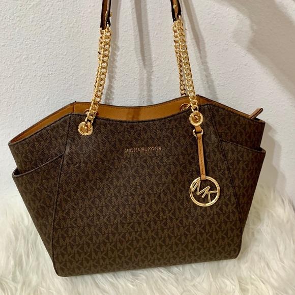 9c2f257224a337 MICHAEL Michael Kors Bags | Michael Kors Jet Set Travel Lg Chain ...